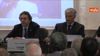 video L'intervento telefonico di Silvio Berlusconi in un convegno organizzato dalla Federazione italiana agenti immobiliari professionali: