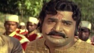Alluri Seetarama Raju || Britishers Catch Mallu Dora Action Scene