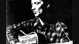 Watch Woody Guthrie This Land Is Your Land video