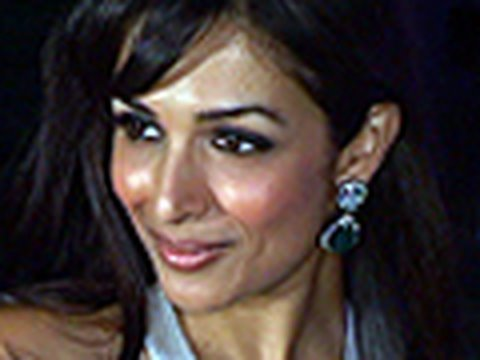 Sizzling Malaika Arora at Super Mom contest 2009 Video