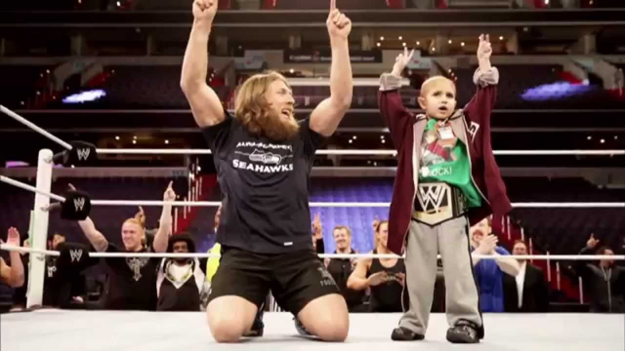 Daniel Bryan Daughter Wwe Daniel Bryan Honor Connor