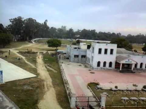 Mr. President's chopper landing on the ground of AMU, Aligarh.  (Mr. Pranab mukherjee)