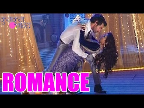 Kumkum Bhagya : Omg! Abhi And Pragya's Romantic Dance | Must Watch 28th July 2014 Full Episode video