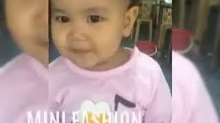 Em bé hài hước đáng yêu, cute baby with lemon juice p3