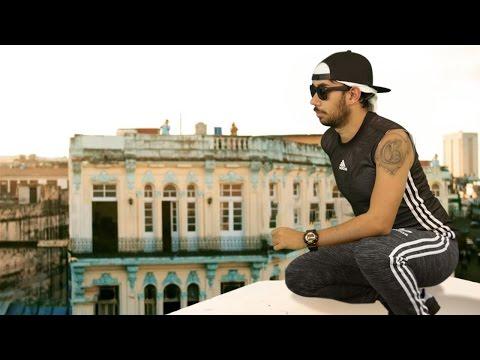 Enrique Iglesias - SUBEME LA RADIO (PARODIA/parody) ft. Descemer Bueno, Zion & Lennox EUGENIO DERBEZ