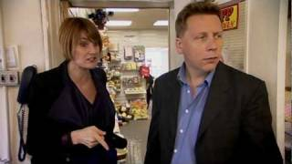 Mary Portas argues with charity shop manager