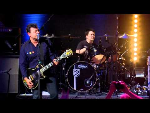 Manic Street Preachers - 03 - It's Not War Just The End Of Love (Roundhouse, 03.07.11)