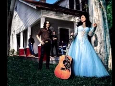 Loretta Lynn - Talking to the Wall