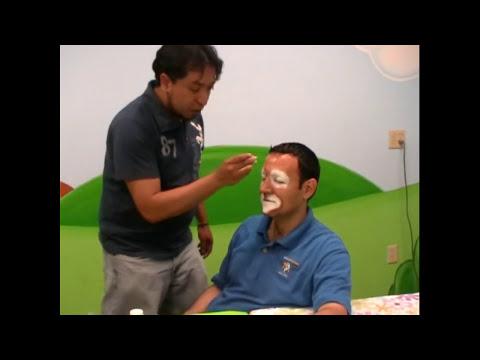 Como maquillar a un payaso Agusto. 2/4 .Comando Águila Niños Amistad