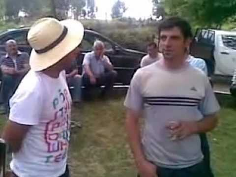 Pedro Cachadinha e celorico a cantar ao desafio