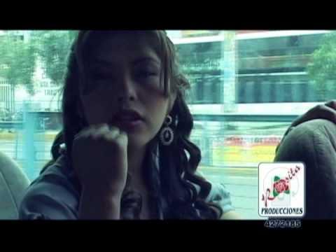 yarita lizeth  en vivo 2012 sola con mi dolor