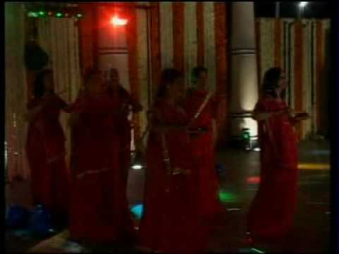 117. mein to bhool chali babul ka des group dance meeta jain...
