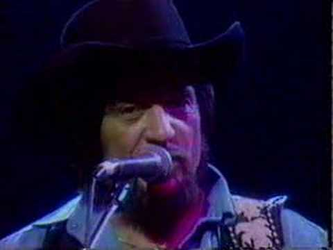 Waylon Jennings - Living Legend (A Dyin' Breed)