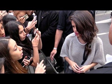 Selena Gomez confront a fan at NRJ radio station in Paris !
