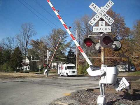 CROSSING INFO: WHERE:KIRKWOOD MO (SURBURB OF ST LOUIS MO) ROAD:LEFFINGWELL AVE BELL/S:WRRS M-BELL GATES:WRRS/GRS AND WCH GATES LIGHTS:12X20IN WCH AND ...