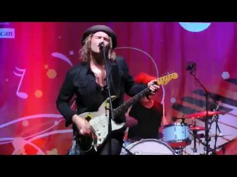 Philip Sayce I'D LOVE TO CHANGE THE WORLD X2 Montreal Jazz Festival 2015