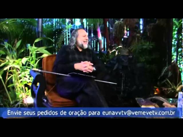 Caio fala sobre a visita do irmão-comediante Marcelo Marrom à sua casa. Registro em vídeo.
