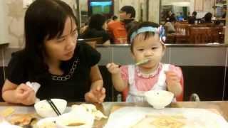 Bé tự ăn một cách ngon miệng (kết quả từ dạy ăn theo Nhật Bản)
