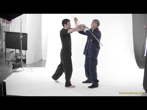 Stick-Fighting: Richard Bustillo Translates Sinawali to Empty-Hand Techniques Image 1