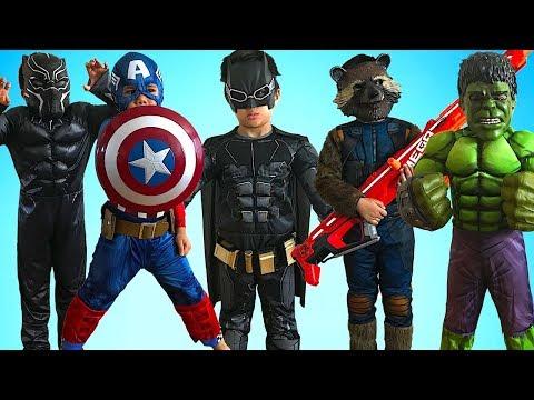 KIDS COSTUME RUNWAY SHOW Superheroes Black Panther Spiderman Rocket Raccoon Superman Dress Up Fun