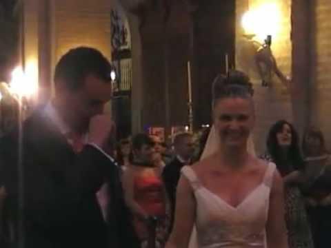 YouTube Novia sorprende a Novio en plena boda con la