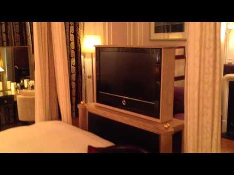 A tour of the Claridge s Diane von Furstenberg Suite