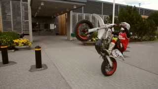 Supermoto Stunt Session! [Superretards 2013]