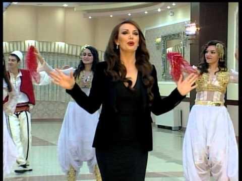 Alberie Hadergjonaj - Xhirimet E Vitit Të Ri 2013 video