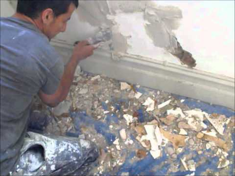 How to Repairs Cracks in a Solid Plaster Wall Richmond