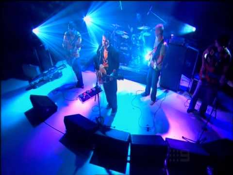 Alex Lloyd – Never Meant To Fail (live on the Footy Show)