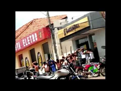 Veja vídeos que flagram momentos do assalto a banco em Miguel Alves PARTE 01