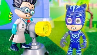 PJ Masks Toys ⚡ Romeo transforms Catboy into a villain ⚡🙀⚡