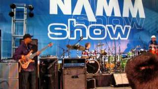 Live at the Namm show 2010, Marleaux Consat Custom 5 Bass
