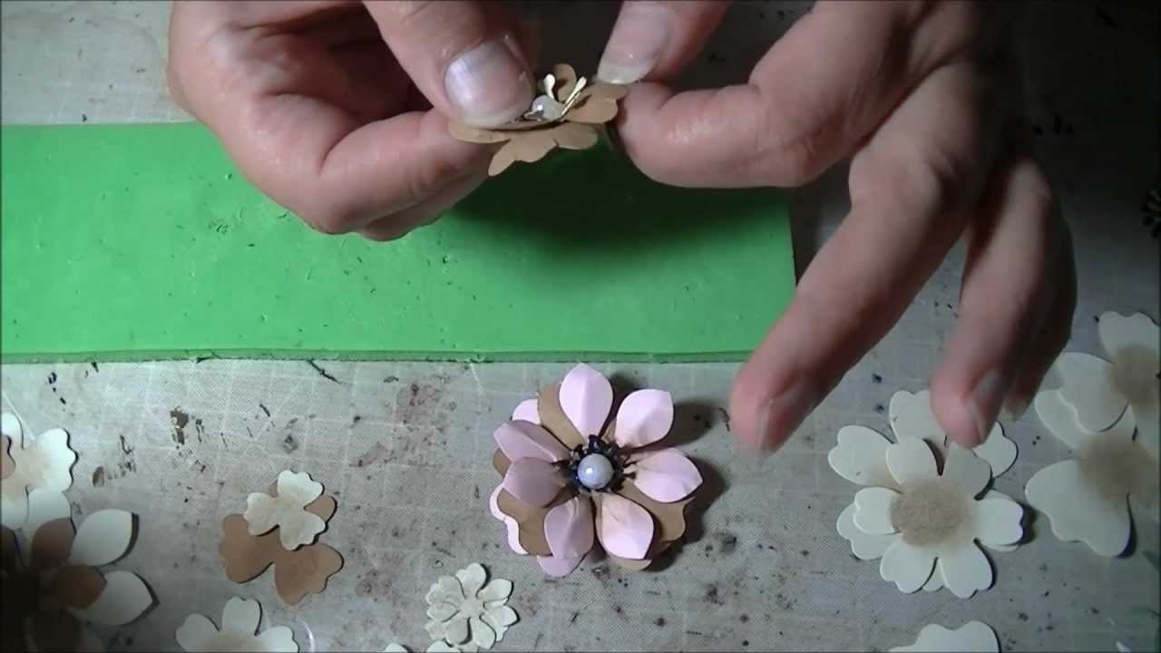 making some simple flowers with crealies creative flower