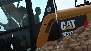 Cat® F Series Wheeled Excavator Daily Inspection