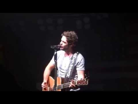 Thomas Rhett Sings New Love Song At Coyote Joes video
