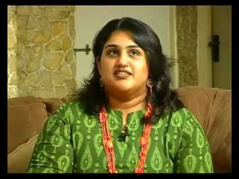 Tamil cinema Heroine Vanitha Vijayakumar talks about her family and her childhood [RED PIX]
