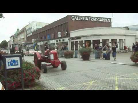 Tractor Wheelie 2012