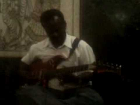 Kurai Ondrum Illai-guitar Solo By A.k.mohan.3gp video