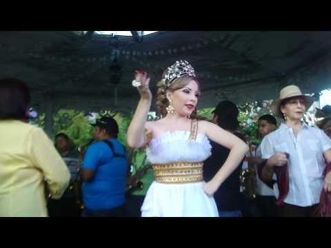 Mileydis Vargas, Reina de Calle Arriba de Las Tablas, en practica de Tonadas 2011