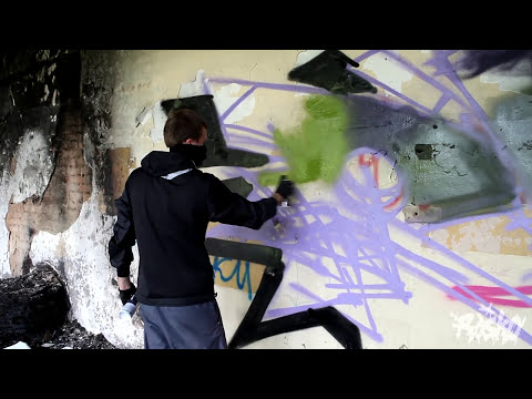 Rasko Writin` in da HOOD. Graffiti Street Art