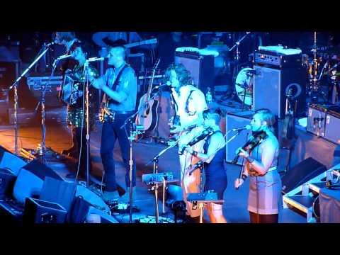 Arcade Fire - No Cars Go (Live at The O2 Arena, London, 1 December 2010)