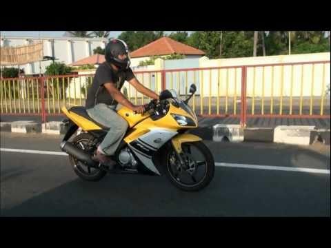 Yamaha R15 Review