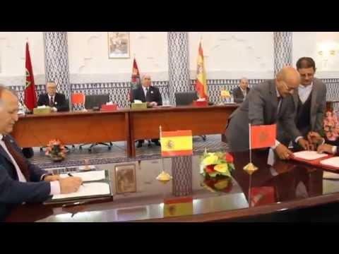 مراسيم توقيع التوأمة بين بلدية الداخلة وطريفا الاسبانية