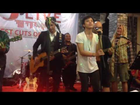 Begitu Indah - Bisma Karisma, Piyu, dkk at Cafe Joker Medan (09 April 2016) by triskanovira