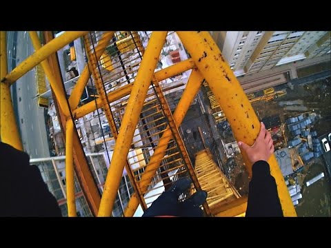 Руфинг 75-метрового крана (25 этажей)