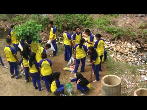 GOTONG ROYONG(GORO) XI IPA 2// SMAN 15 BATAM