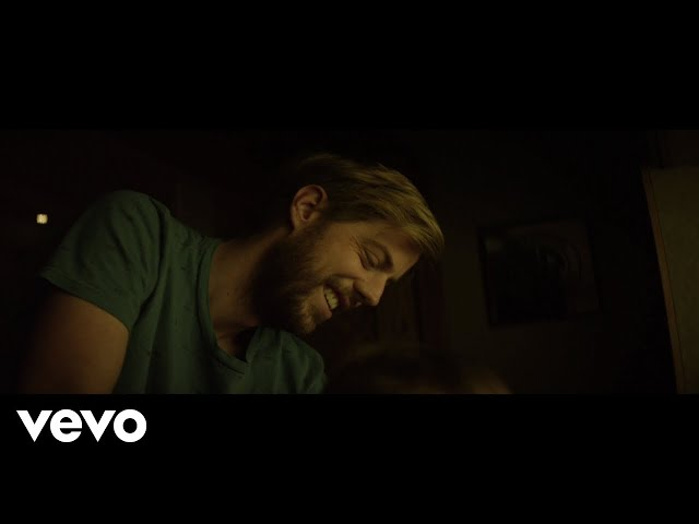 Andrew McMahon in the Wilderness - Cecilia And The Satellite (Day In The Life Edition)