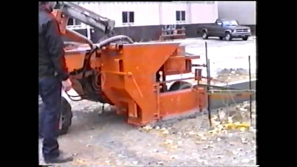 Mbw Concrete Slipform Curb Machine Youtube