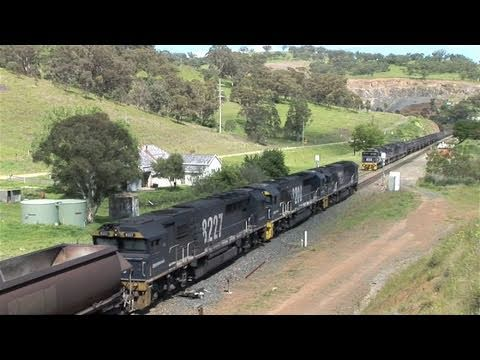 Epic Struggle: Coal train starts off on Ardglen Bank.  Wed 03/11/10